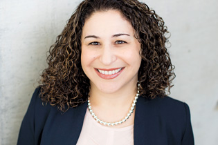 Photo of EMBA grad Ghazaleh Almelda